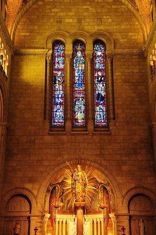 """""""虽然曾经经历过蒙特利尔Basilique Notre Dame的震撼气势,与之相比圣安妮大教堂..._圣安妮大教堂""""的评论图片"""