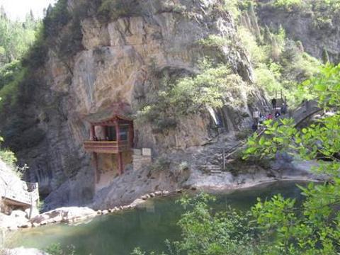 陇南西狭颂摩崖旅游景点图片