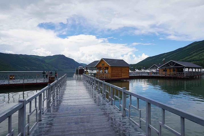 """""""总体来说还是值得来的地方毕竟是中国唯一有瑞士风光的景点。景色还是百看不厌啊!今年已经第三次来这里了_喀纳斯景区""""的评论图片"""