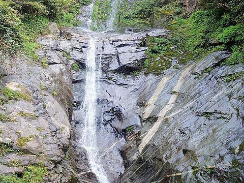 天龙瀑布旅游景点图片