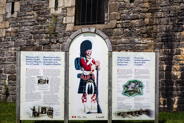 """""""新斯科舍著名的旅游景点之一。1856年,为了防御可能来自美国的陆地进攻,城堡第四次被重建_城堡山国家历史遗址""""的评论图片"""