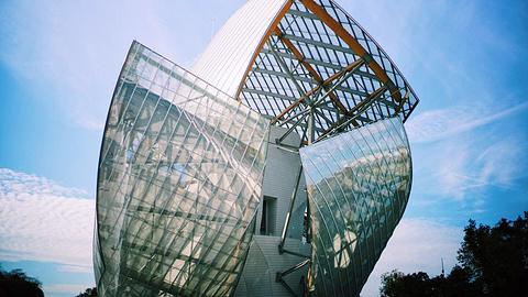 Louis Vuitton(香榭丽舍店)旅游景点攻略图