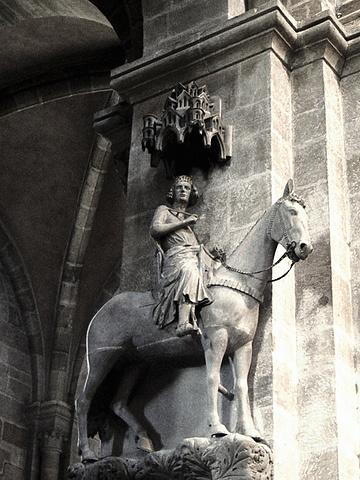 """""""眼睛被薄纱蒙住……    其中最有名的当然是那尊""""班贝格骑士"""",那肩扛马鞭、一头卷发的英俊..._大教堂""""的评论图片"""
