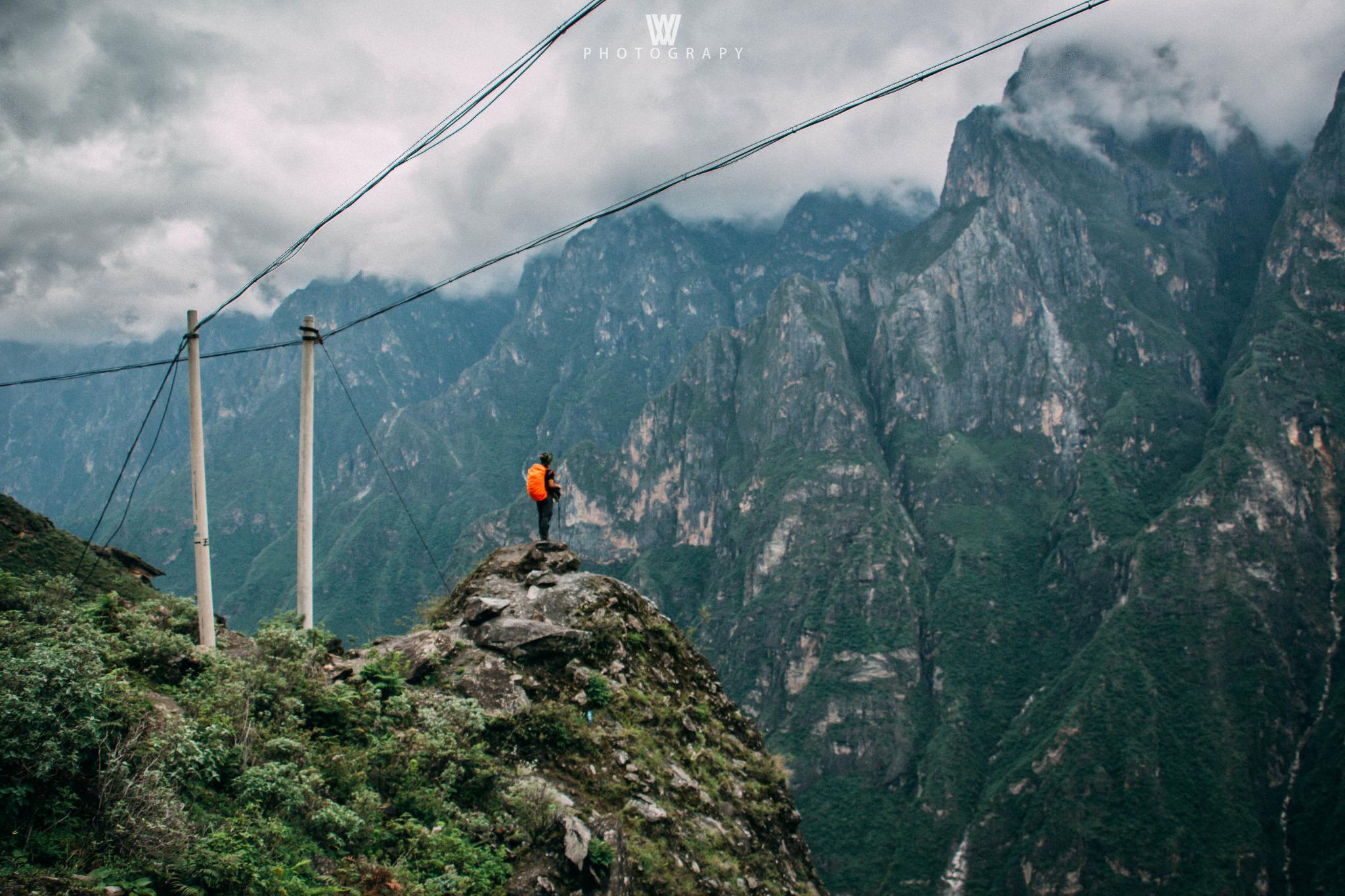 虎跳峡徒步经典2日路线