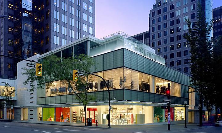 """""""地方不如太平洋购物中心大,但是汇集的都是一线精品,时尚聚集之地。是奢侈品拍的集中地点_Holt Renfrew""""的评论图片"""