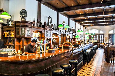 莱佛士Long Bar