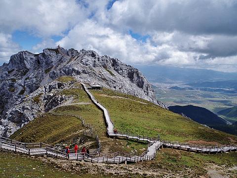 石卡雪山旅游景点图片