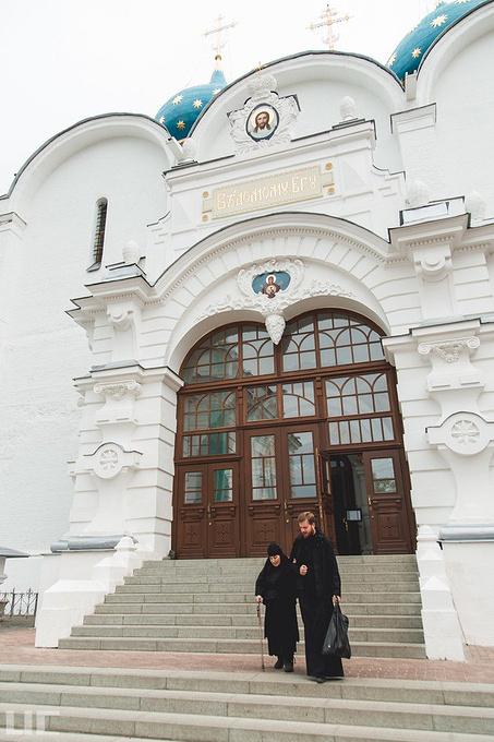 谢尔盖耶夫三一圣大修道院图片
