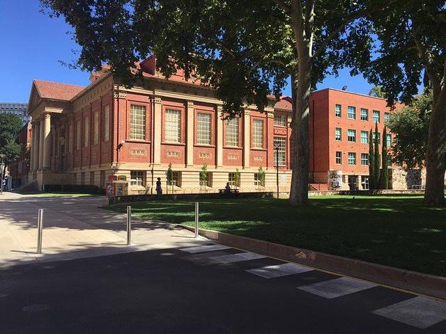 """""""阿德雷德大学有着很好的学术环境,是一个和睦的团体。_阿德莱德大学""""的评论图片"""