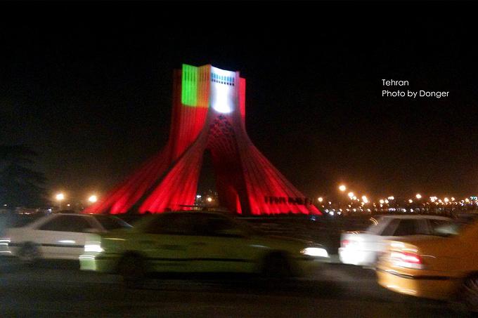 自由纪念塔图片