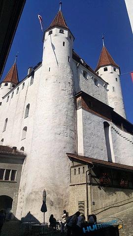 """""""图恩城堡简介。这个城堡稍微有点大,在里面绕了半天,也上到了塔楼顶部。进入城堡入口,城堡外观第一入眼_图恩城堡""""的评论图片"""