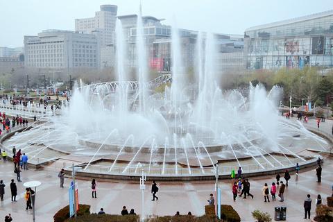 泉城广场的图片