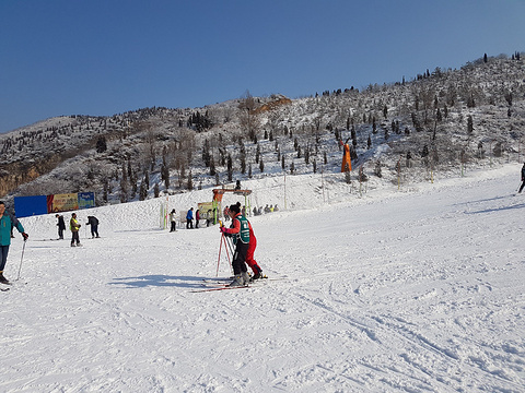 济南金象山滑雪场