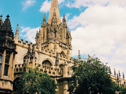 圣母玛利亚大学教堂旅游景点图片