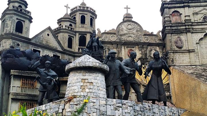 """""""然后参观当地人传说中可治百病的麦哲伦十字架,此十字架更为天主教代表西方文化与宗教浸染菲律宾的开..._宿雾遗产纪念碑""""的评论图片"""