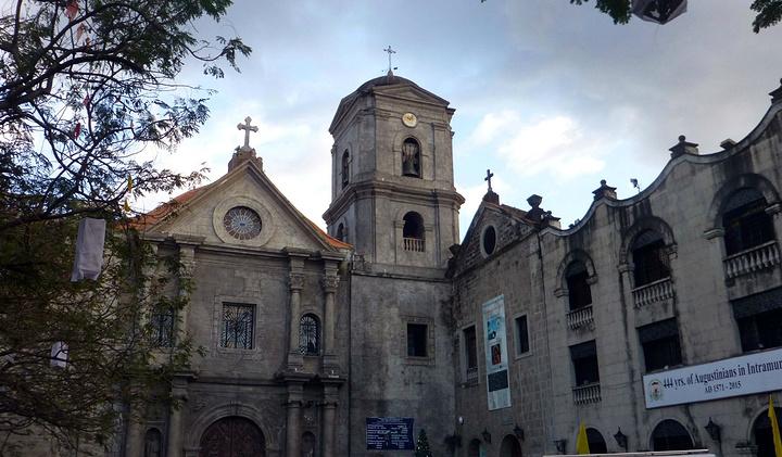 """""""奥古斯丁教堂处处可见西班牙建筑和装饰风格,里面是一个很大的花园,围着花园四方的两层建筑_圣奥古斯丁博物馆""""的评论图片"""