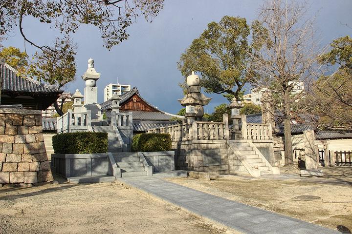 """""""历史悠久的四天王寺是日本佛法最早的寺庙之一,也是日本最古老的官家寺院。_四天王寺""""的评论图片"""