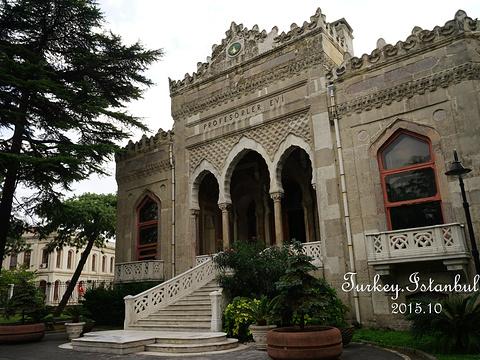伊斯坦布尔大学旅游景点图片