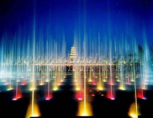 西安大雁塔广场喷泉_盛世繁华,比大唐长安更美好的西安-西安旅游攻略-游记-去哪儿攻略
