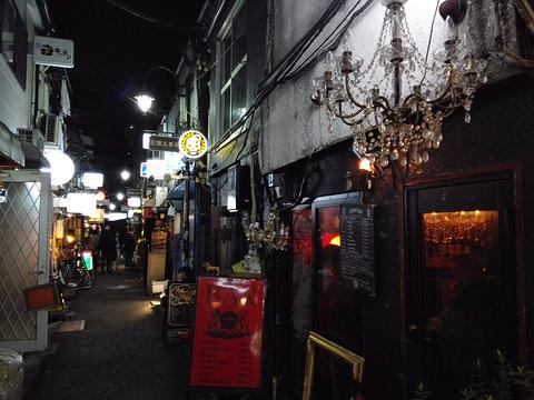 新宿黄金街旅游景点图片