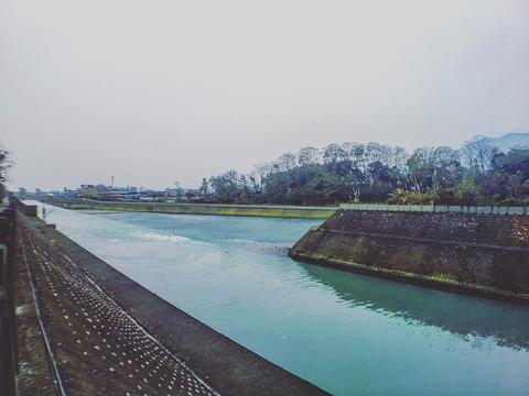 都江堰鱼嘴分水堤旅游景点图片