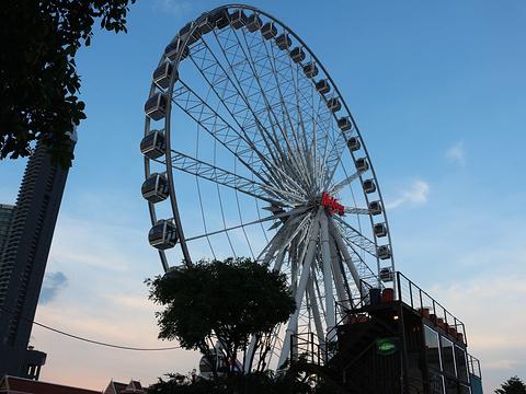 曼谷夜市摩天轮旅游景点图片