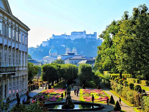 米拉贝尔宫殿和花园旅游景点图片