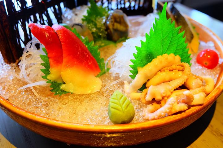 """""""...滨城市吃海鲜被宰怕怕的我们挑来选去,选了这家口碑最好之一""""上屿水产""""一进来就喜欢,环境不错_上屿水产创意海鲜餐厅""""的评论图片"""
