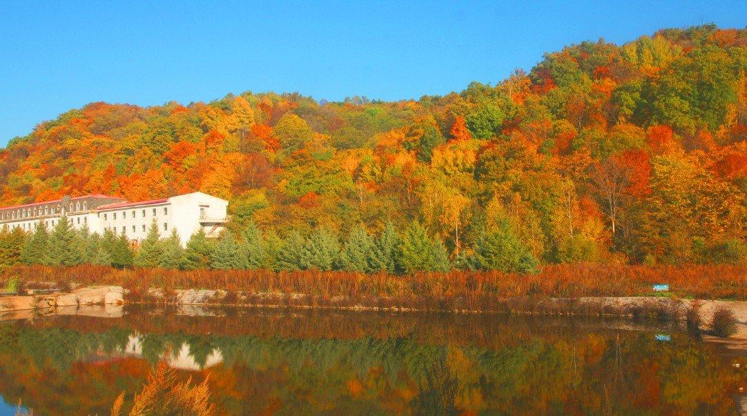 深秋亚布力,彩色画中游---亚布力阳光度假村两日游