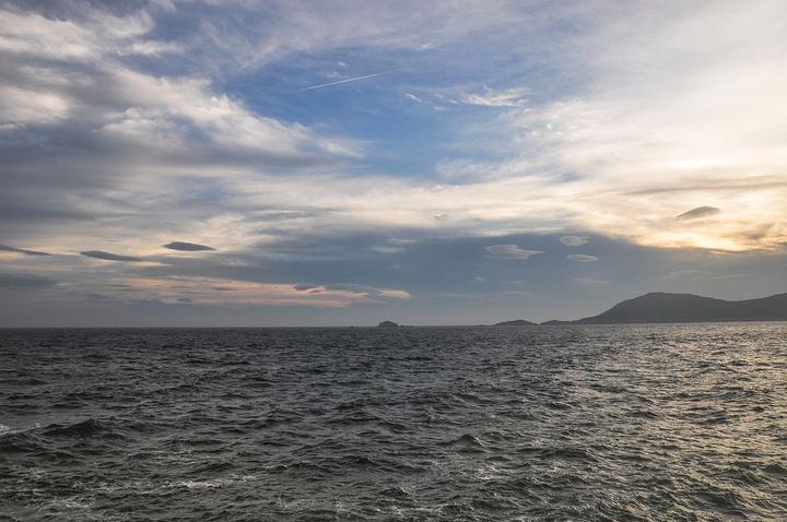 """""""我说,习惯了在这里的节奏,早起看日出,上午环一个岛,下午回来,睡一觉,再出门,看海,随意的逛一逛_庙子湖岛""""的评论图片"""