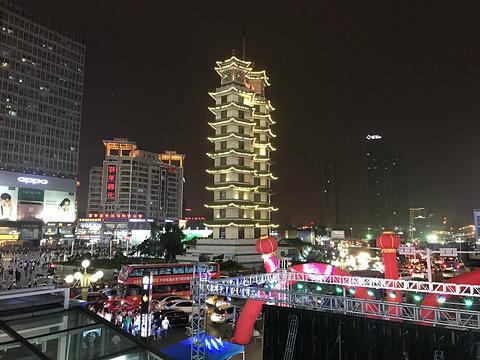 二七纪念塔旅游景点图片