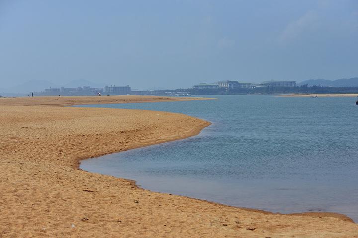 博鳌玉带滩攻略_2021我们去了博鳌湾的两处海滩,人都不多,在这里终于找到了一 ...