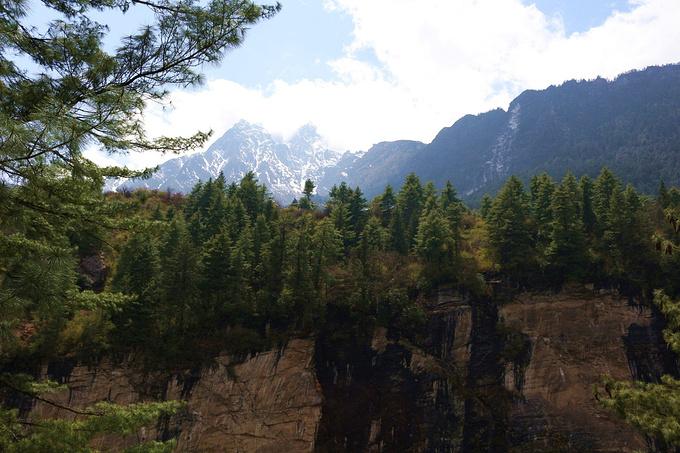 吉隆大峡谷图片