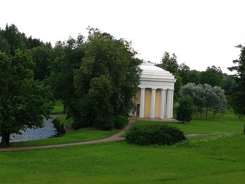 巴甫洛夫斯克公园