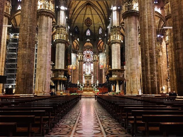 """""""如果想要参观教堂内部,需要一大早就去,排队人数特别多。米兰大教堂确实很壮观,很美_米兰大教堂""""的评论图片"""