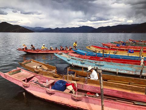 猪槽船游湖(大落水码头)旅游景点图片