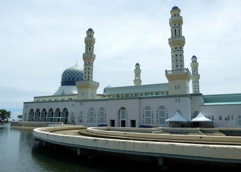 沙巴州立清真寺的图片