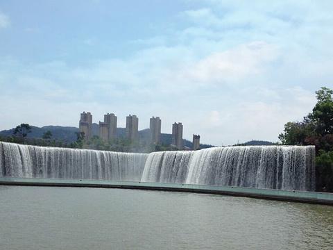 昆明瀑布公园旅游景点图片