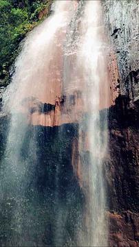 五彩黄龙瀑布旅游景点攻略图