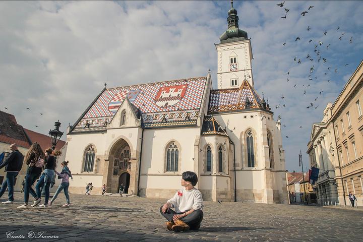"""""""【 圣马可教堂 】教堂里陈列着 克罗地亚 著名雕塑家梅什特罗维奇的作品。鸽子在教堂悠闲_圣马可教堂""""的评论图片"""