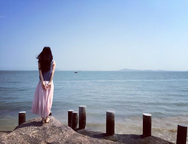 """""""黄厝海滨被称为厦门最美的海滩,名不虚传,个人认为这里的风景堪比三亚。物超所值简直就是_黄厝海滨""""的评论图片"""
