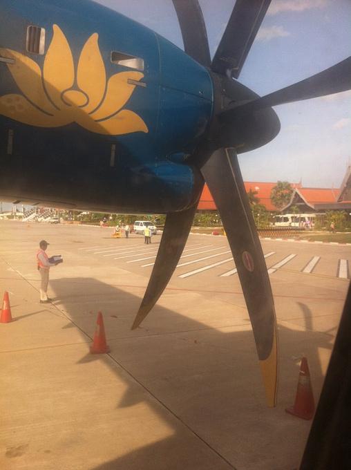 登机,飞往琅勃拉邦图片
