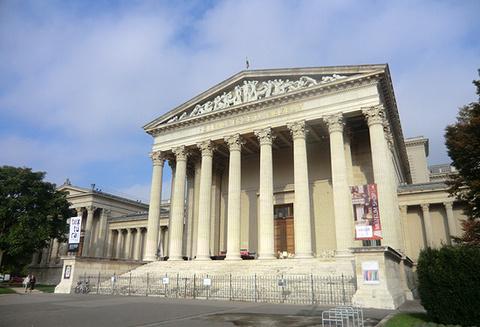 匈牙利国家美术馆的图片