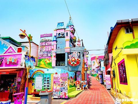松月洞童话村旅游景点图片