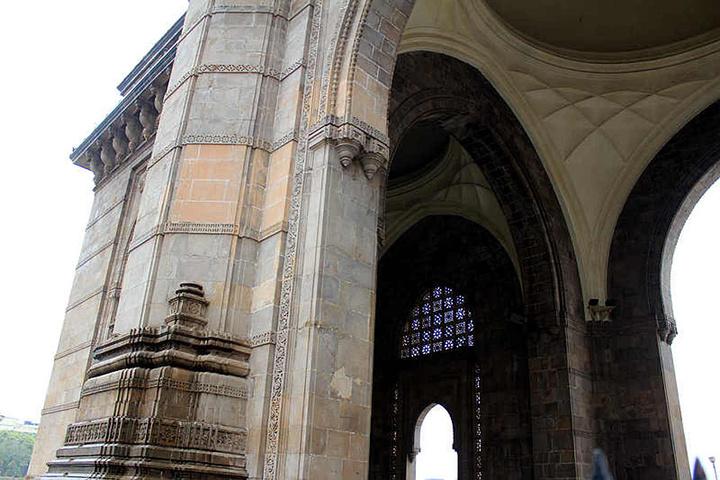 亚洲 印度 马哈拉施特拉邦 孟买市 - 西部落叶 - 《西部落叶》· 余文博客