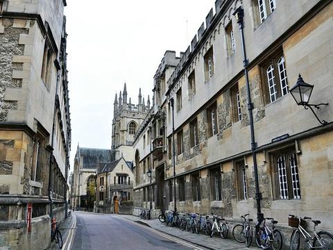 考试学校旅游景点图片