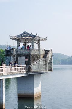 红花湖旅游景点攻略图
