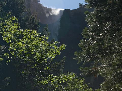 新娘面纱瀑布旅游景点图片