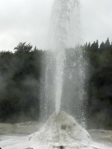"""""""那最为精华的地热湖倒是实在别致_怀欧塔普地热公园""""的评论图片"""