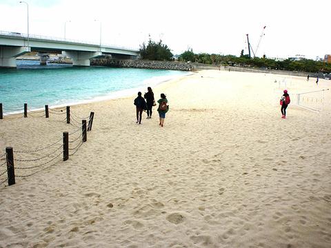 波之上海滩旅游景点图片